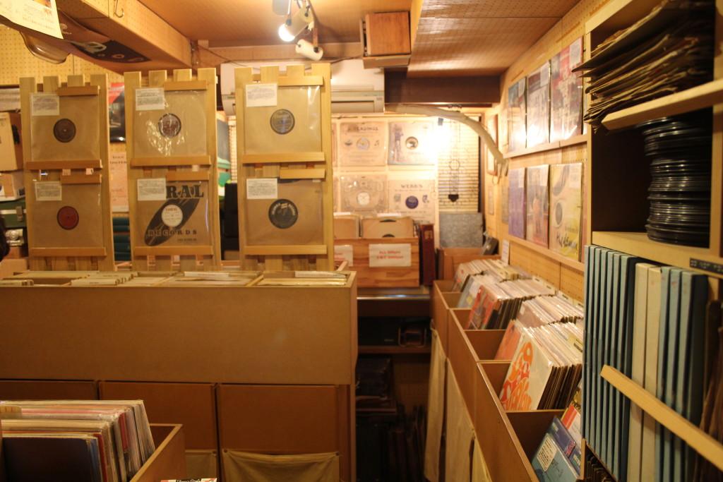 Entrance to Noah Lewis' Record Tokyo
