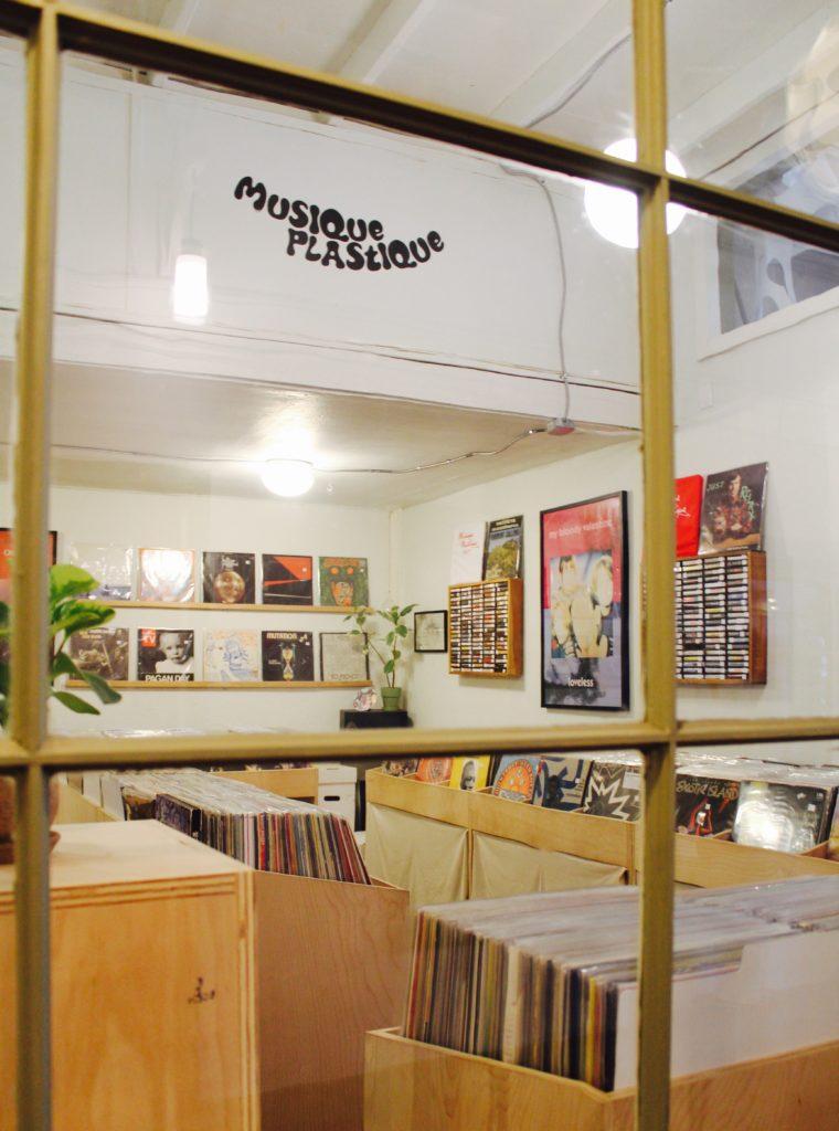Musique Plastique window