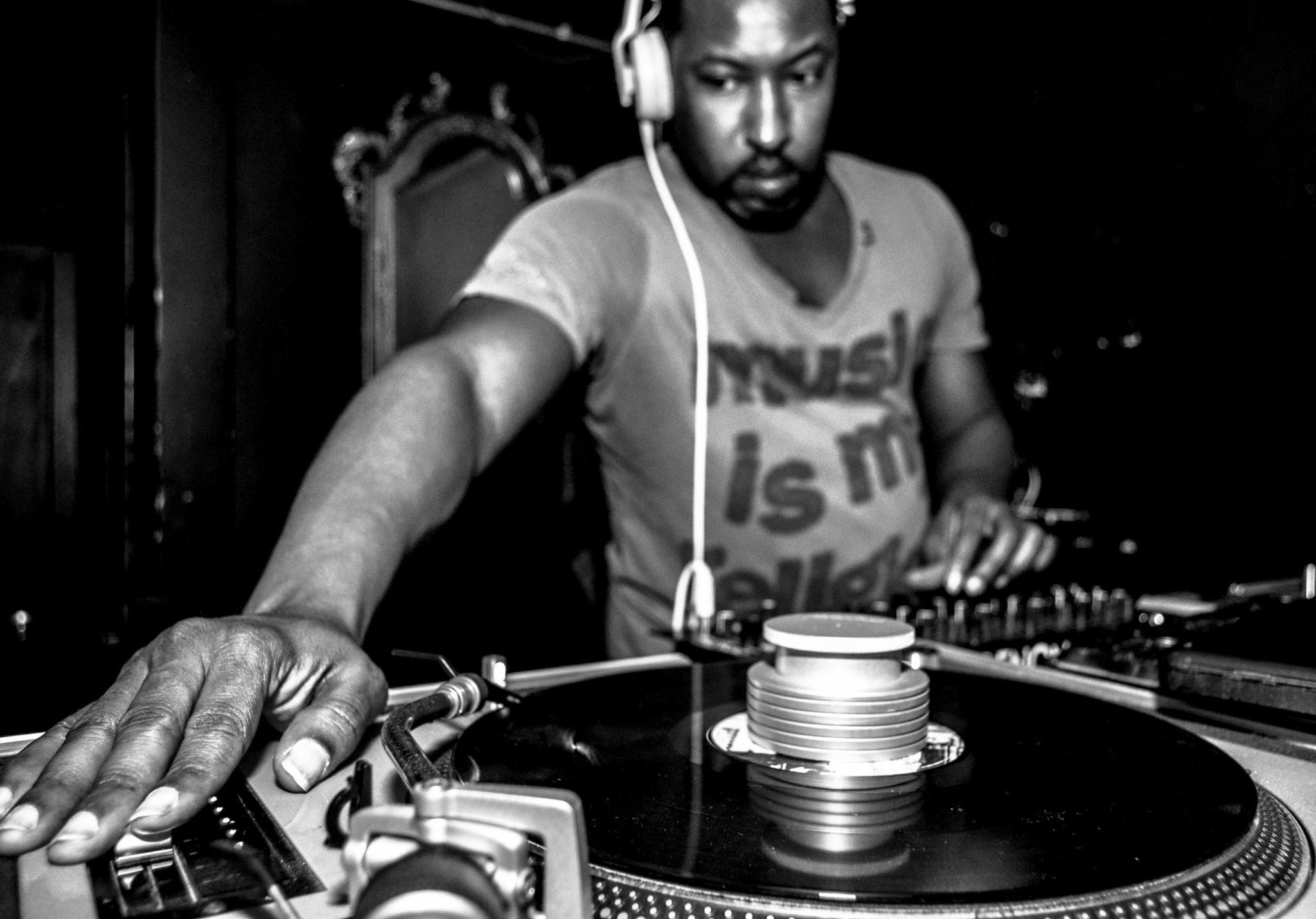 Crate Diggers Phoenix daytime DJ, Boogie Nite