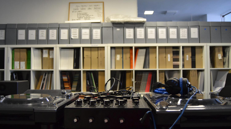 Hivern Discs turntables