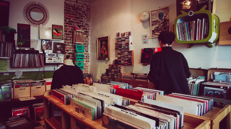 balades sonores record shop interior
