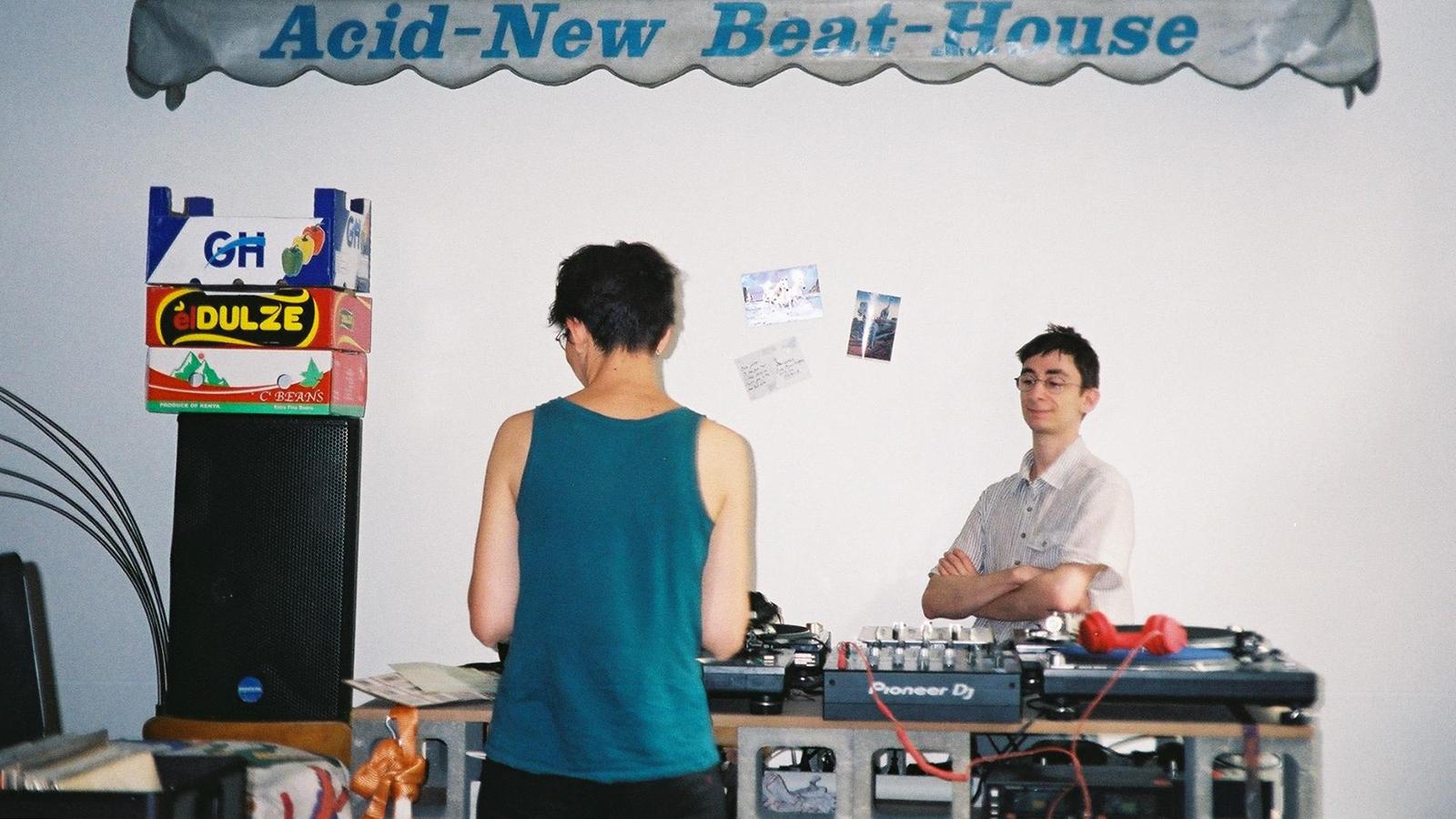 dizonord record store dj setup