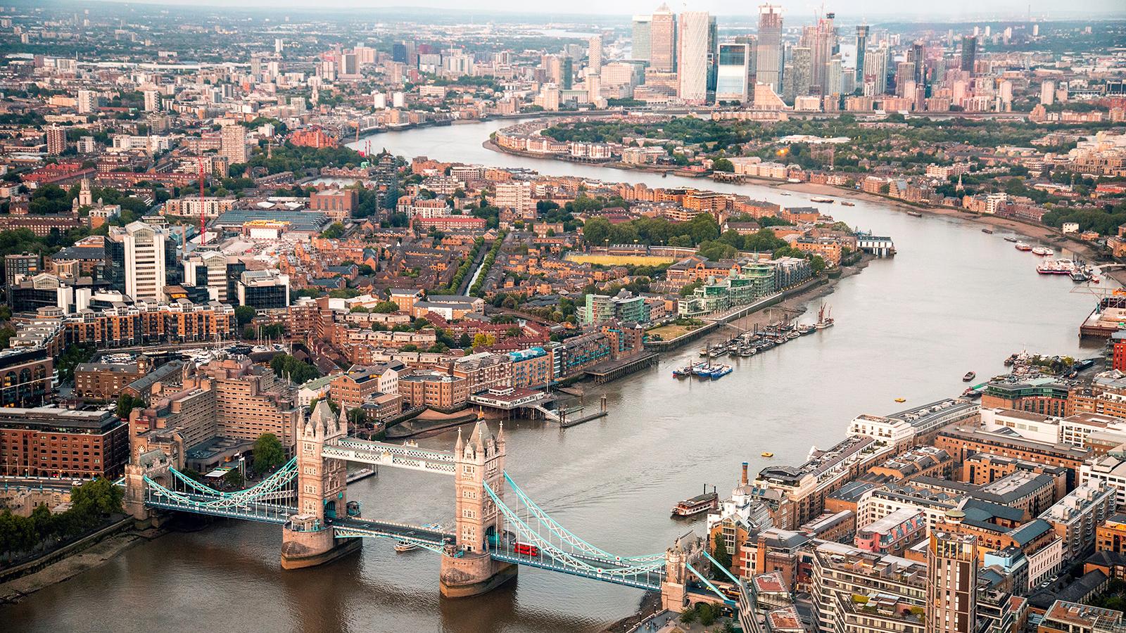 london england thames skyline