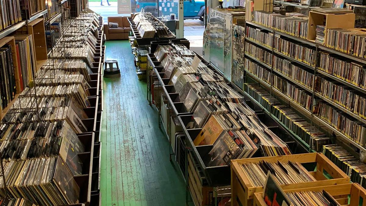oak park records record store chicago illinois